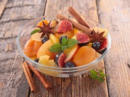 Daktylowo-cynamonowa sałatka z figą