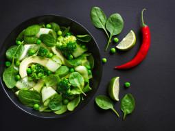 Zielona sałatka z limonką i chili
