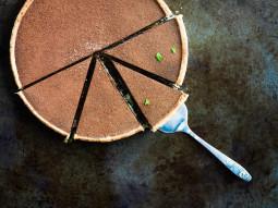 Tarta z solonym karmelem i czekoladą z dodatkiem kakao