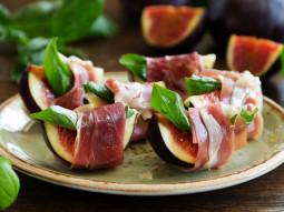 Figi z szynką i serem