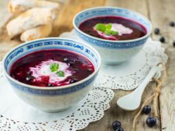 Zupa z malinami, borówkami i wiśniami