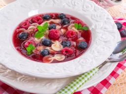 Zupa owocowa z makaronem