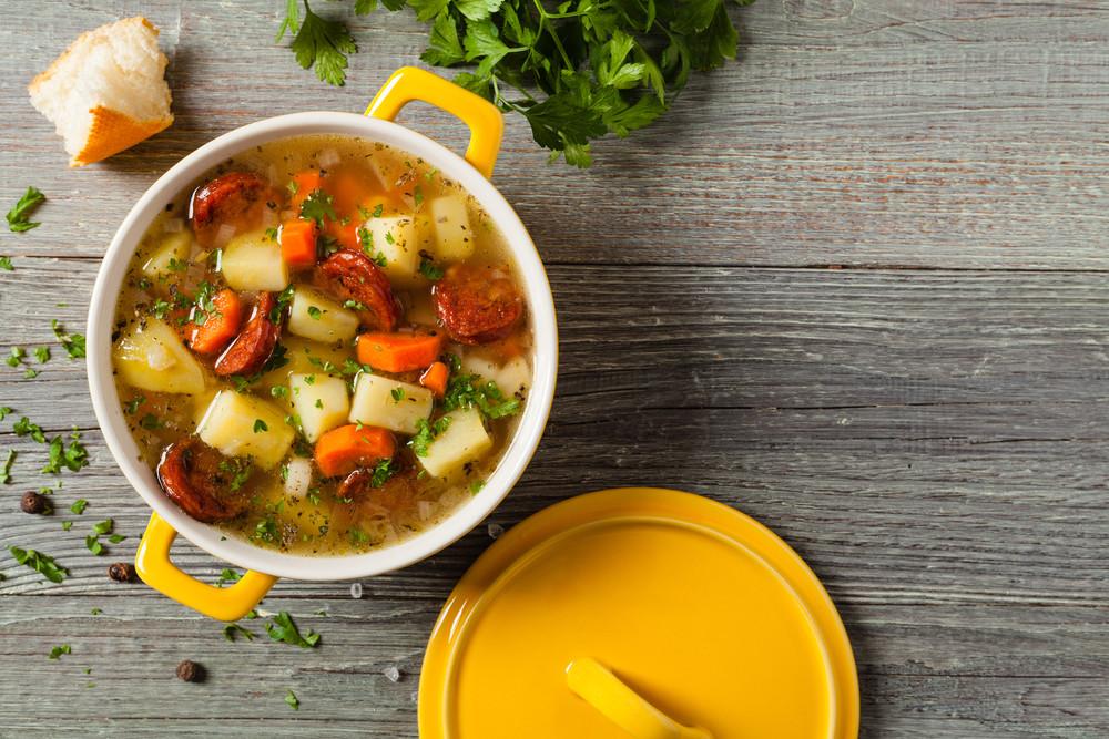 Zupa ziemniaczana z suszonymi pomidorami
