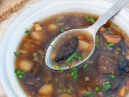Zupa grochowa z pieczarkami