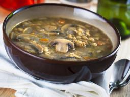 Zupa z pieczarkami i makaronem