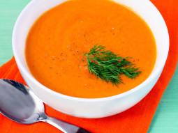 Zupa pomarańczowo-marchewkowa z imbirem