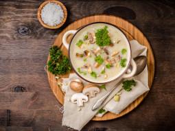 Kremowa zupa z pieczarkami