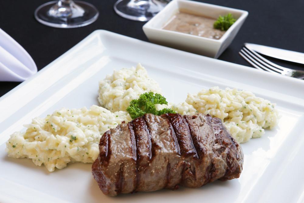 Risotto z grillowaną wołowiną