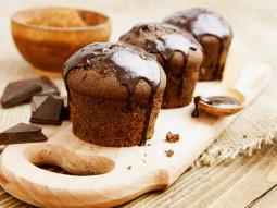 Muffiny czekoladowe w polewie czekoladowej