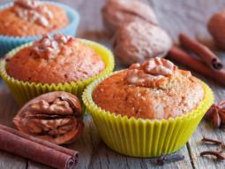 Muffiny z cynamonem i orzechami włoskimi