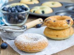 Bezglutenowe donuts z borówkami
