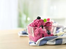Jeżynowy mrożony jogurt