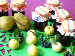 Konfitura z aronii, gruszek i pigwowca